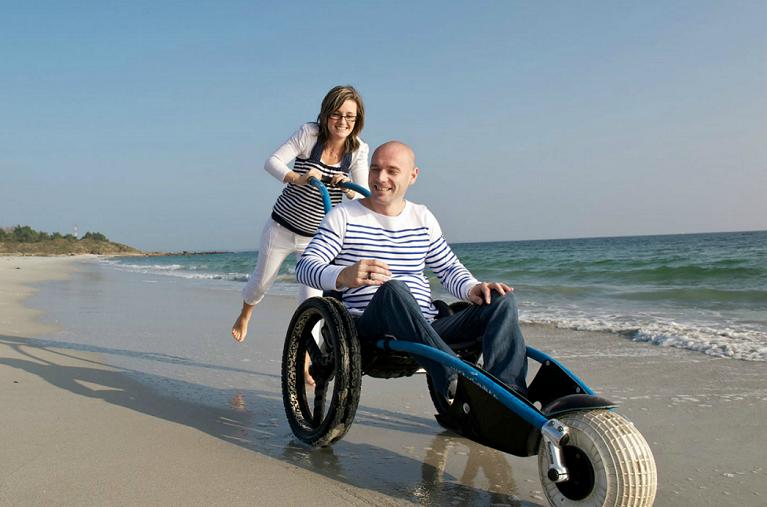 Strandrolstoelen op het strand