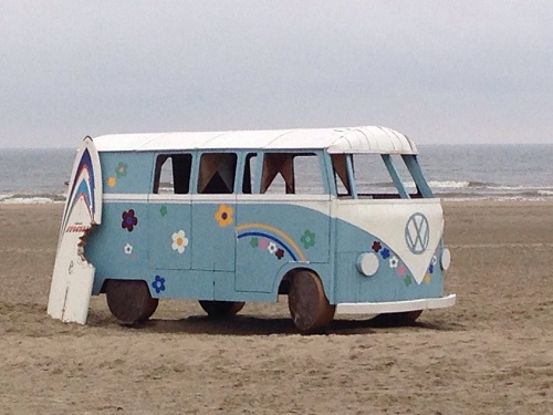 VW bus bouwwerk strand bad zuid 2015